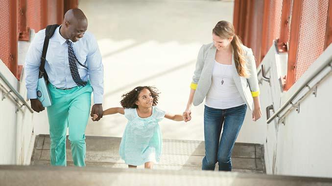 Life_Insurance_Family_On_Steps