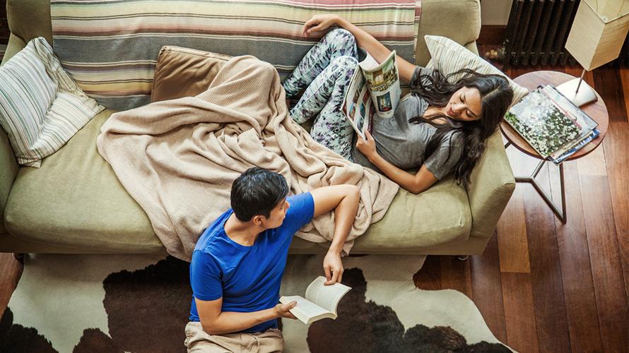 Couple_planning_finances