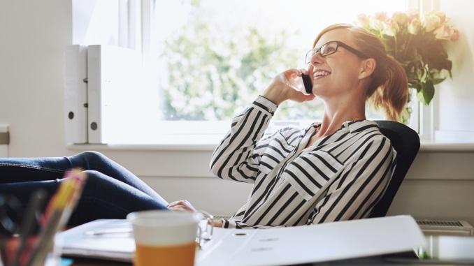 Entrepreneurship_Woman_at_desk