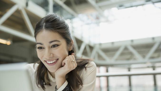 Guardian_Internships_Woman_On_Computer